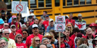 Hundreds of people, including Tribal members, landowners, and climate activists, rallied at the Oregon State Capital in 2015 to ask Governor Kate Brown to oppose the Jordan Cove LNG proposal. Credit Alex Milan Tracy